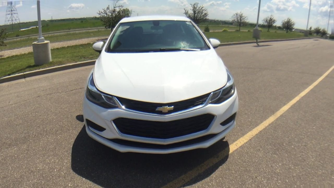 Pre-Owned 2017 Chevrolet Cruze LT FWD 4dr Car